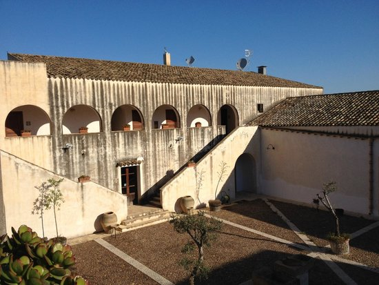 Il Cuore di Dioniso Dimora D'Epoca : courtyard