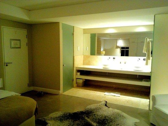 Glen Boutique Hotel & Spa: Bathroom area