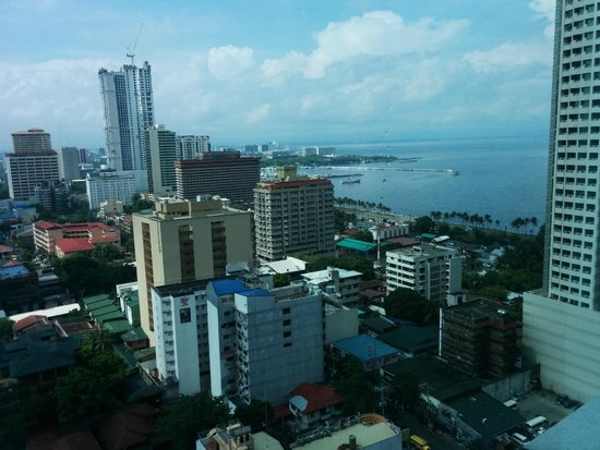 Pan Pacific Manila : View from the lounge (floor 21)