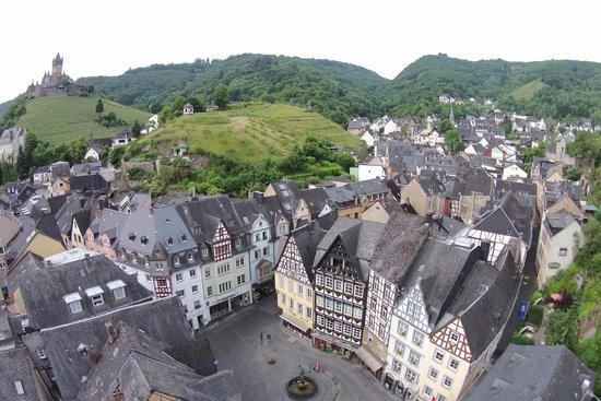 Hotel am Markt: Luftaufnahme Markt mit Reichsburg