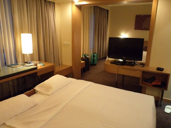 Novotel Bangkok on Siam Square : Two extra beds for the children