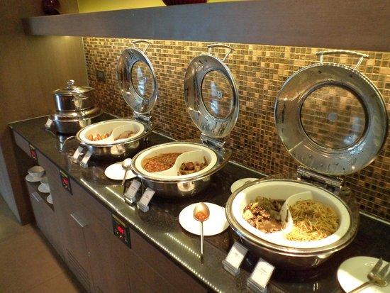 Novotel Bangkok on Siam Square: Breakfast spread at the Premier Lounge