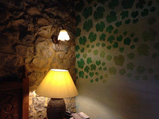 Hotel Rural Sucuevas: Decorated room
