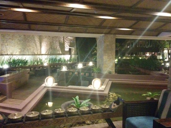 The Bellevue Resort Bohol : Night time