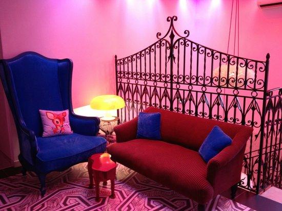 Hôtel Mademoiselle : espace pallier donnant sur les chambres