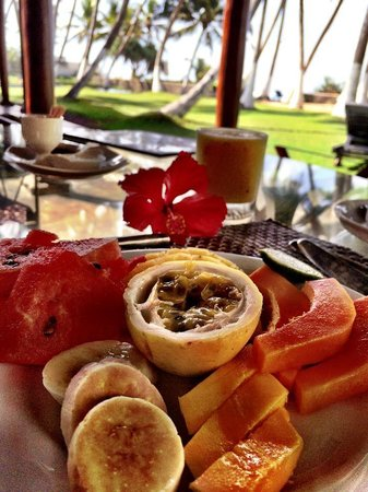 Apa Villa Thalpe: Breakfast is served..