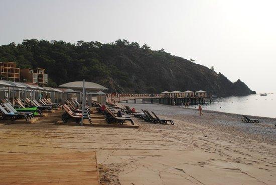 Rixos Premium Tekirova: пляж
