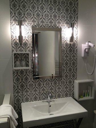 Hôtel Mademoiselle : salle de bains