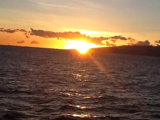 Atlantis Cruises: Sunset in Wakiki