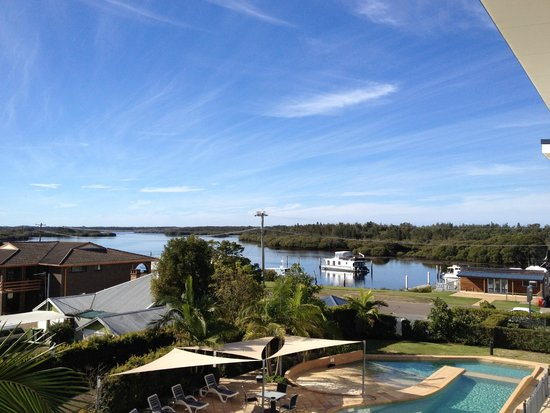 Boathouse Resort Tea Gardens: View from suite to the Myall river