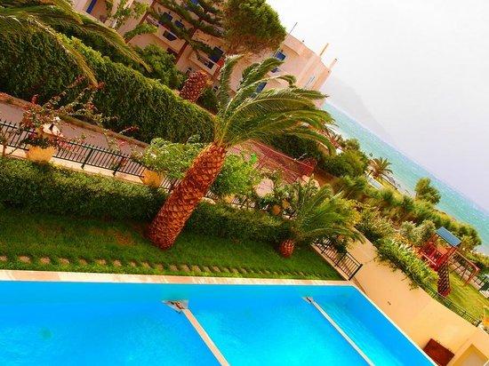 Hydramis Palace Beach Resort: Вид из номера