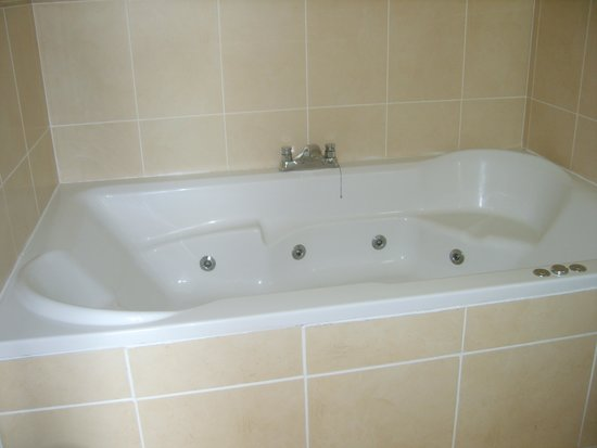 Ford Bank Country House Hotel: jacuzzi bath for two
