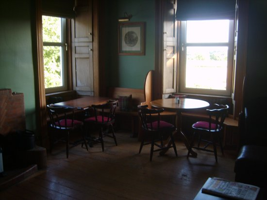 Ford Bank Country House Hotel: cosy bar/lounge area