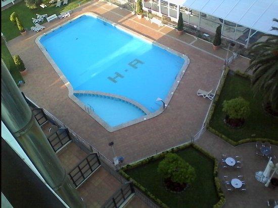 Nuevo Astur: piscina