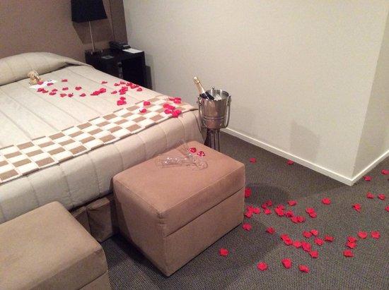 Hotel on Devonport: Romance Package