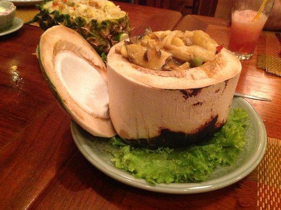 Whole Earth Restaurant : красивая подача блюд