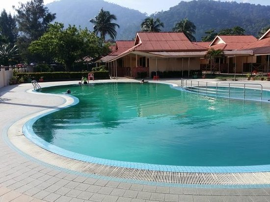 Sea View Hotel & Holiday Resort: Pool for a cool dip