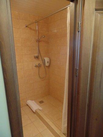 AirInn Vilnius Hotel: The bathroom