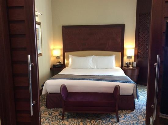 Sofitel Dubai Jumeirah Beach: chambre de la suite junior