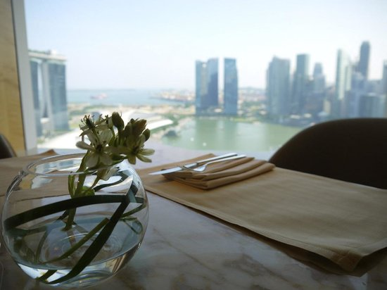 The Ritz-Carlton, Millenia Singapore: Club Lounge