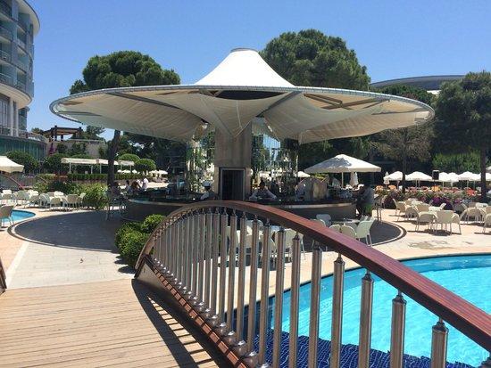 Calista Luxury Resort: Pool Bar
