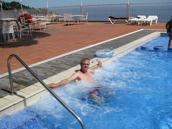 Hotel Roger de Flor Palace: Jaccuzy at your command