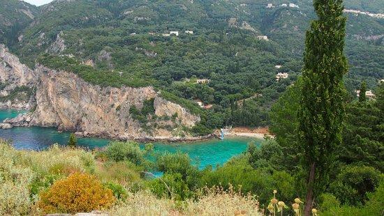 Paleokastritsa Beach : Одна из бухт. Вид из монастыря