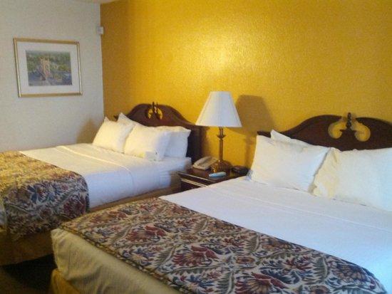 Best Western Sandman Motel: comfy beds