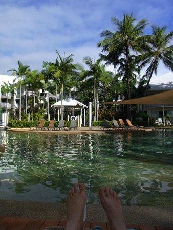 Coral Sands Beachfront Resort: Pool Area