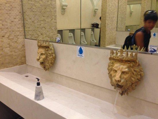 Terminal 21 : Rome - toilet
