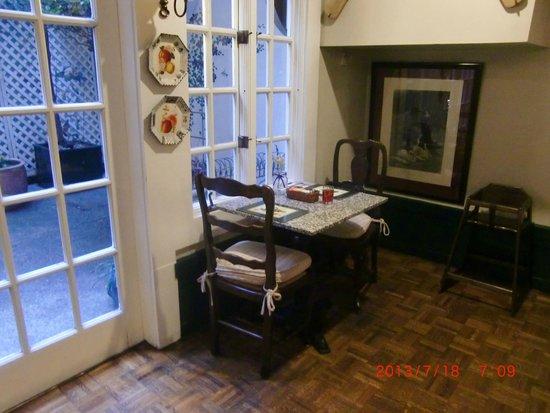 White Swan Inn: 3日目の朝食時のテーブル