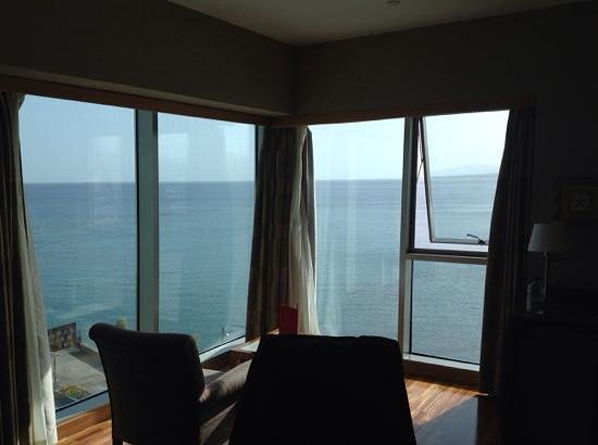Arrecife Gran Hotel & SPA: Great sea view - this only fifth floor