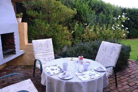 Villa Tarentaal : Al fresco breakfasts