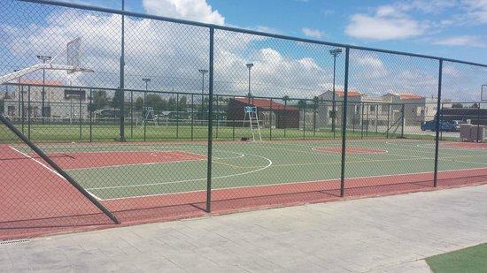 Blue Lagoon Resort: basketball