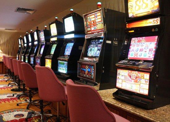 The Residence At Singapore Recreation Club : Mini Casino