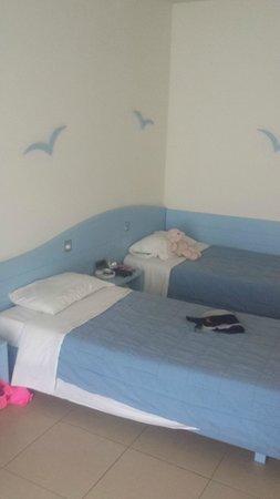 Blue Lagoon Resort: kids room