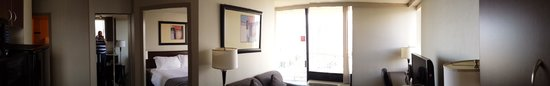 Sandman Suites Vancouver - Davie Street: room.