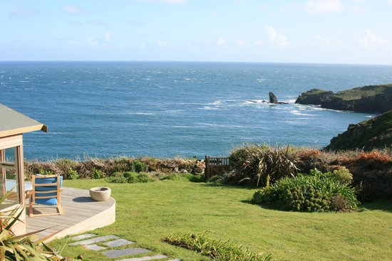 Bay House: Blick vom Gartenpavillon zum Meer