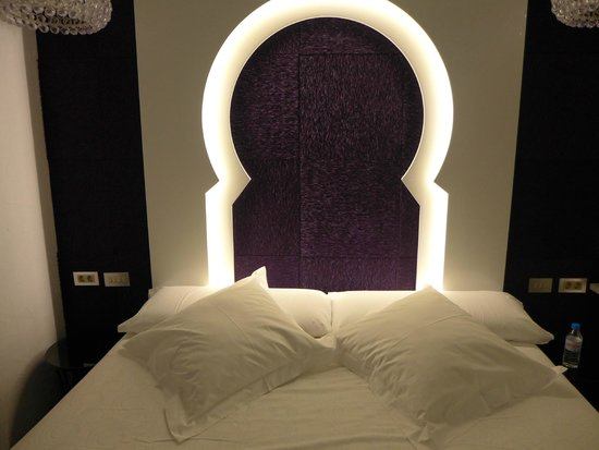Posada del Dragon: Room in  1st floor : arabic style