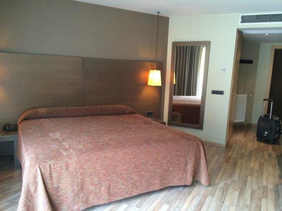 Hesperia Andorra la Vella: room