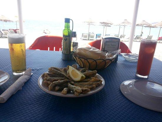 Restaurante Boto's: cerveza, tinto y plato pescado