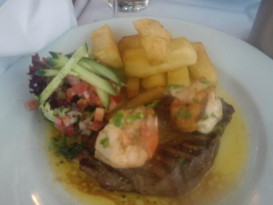 Giuliano: Special of steak and Prawns, absolutely delicious