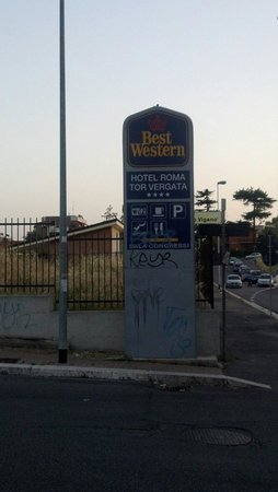 Best Western Hotel Roma Tor Vergata: What a dump
