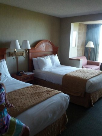 Clarion Hotel Anaheim Resort: Comfy beds