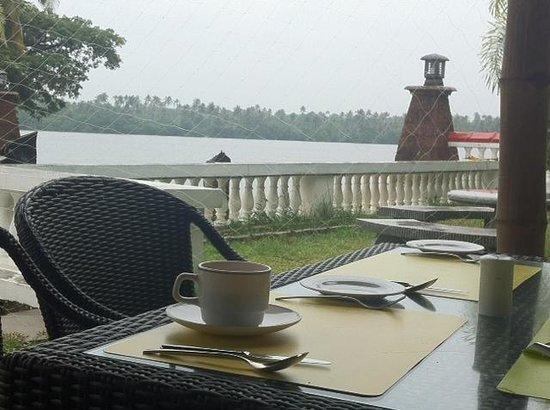 Club Mahindra Cherai Beach: restaurant