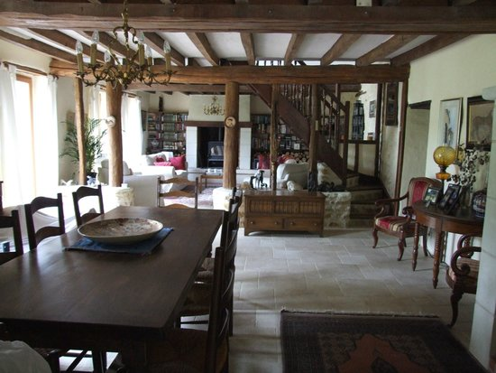La Gaudiniere: Dining room through to sitting room