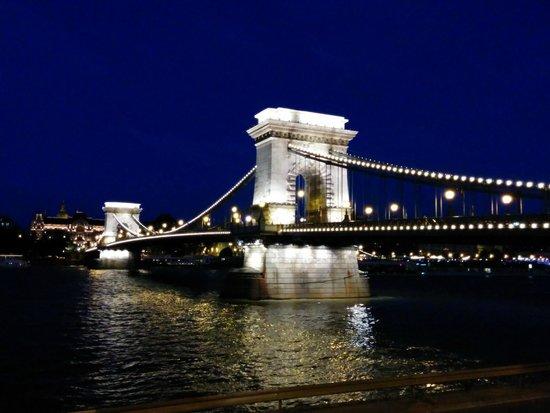 Novotel Budapest Danube: Chain Bridge- 10 Minute Walk