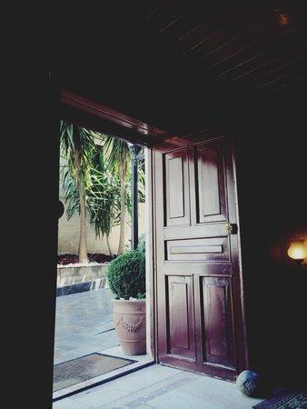 Tuvana Hotel : The door