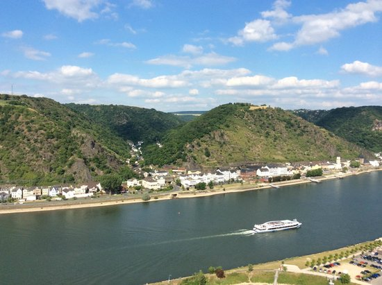 Schloss Rheinfels: View of Rhine from the top of the castle