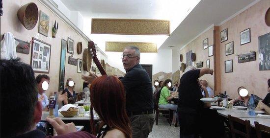 Trattoria Lillicu: serenata